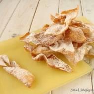 Tradycyjne, kruche faworki, czyli chrust