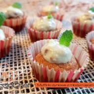 Muffinki dyniowe z kremem z młodym jęczmieniem