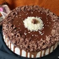 LEKKI TORT ORZECHOWY