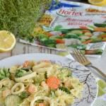 Obiad we włoskim stylu, czyli makaron z owocami morza i warzywami