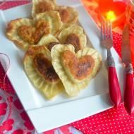 Walentynkowe pierogi z kapustą mięsem i grzybami.