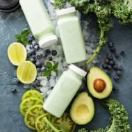 Zielone smoothie z awokado i jarmużem