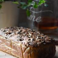 Chleb żytni z siemieniem lnianym i słonecznikiem
