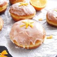 Pomarańczowe pączki z lukrem