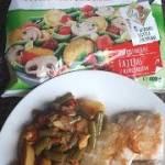 Ryba sezamowa z warzywami na patenię z suszonymi pomidorami