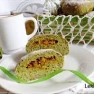 Pączki szpinakowe pieczone z gruszkami