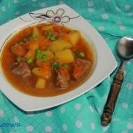 Zupa gulaszowa z dynią i dzikiem