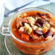 Zupa z fasolą i mięsem mielonym