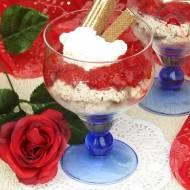 Deser ciasteczkowo- truskawkowy