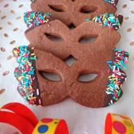 Kakaowe maseczki karnawałowe (Maschere di carnevale di pasta frolla al cacao)