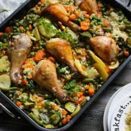 Kurczak zapiekany z ryżem i warzywami - prosty, zdrowy obiad.