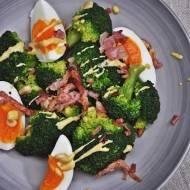 Sałatka z brokułem na ciepło
