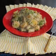 Zasmażane ziemniaki z białą kiełbasą w sosie musztardowym