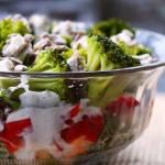 Sałatka brokułowa - warstwowa