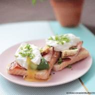 Tosty z szynką, serem i jajkiem poszetowym