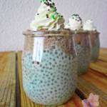 Pistacjowy pudding chia z musem czekoladowym