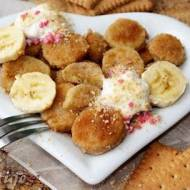 Banan w panierce herbatnikowej (na ciepło z bitą śmietaną)