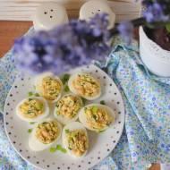 Jajka faszerowane wędzonym łososiem bez majonezu