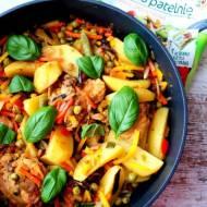 Orientalny kurczak słodko kwaśny duszony z warzywami