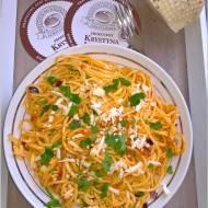 Spaghetti w pomidorowym pesto z serem korycińskim