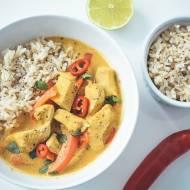 Żółte curry z kurczakiem i papryką