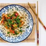 Chow mein / kurczak/ aromatyczne dodatki