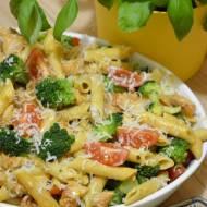 Zapiekanka makaronowa z kurczakiem, brokułem i gorgonzolą