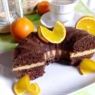 Babka czekoladowa przekładana kremem pomarańczowym