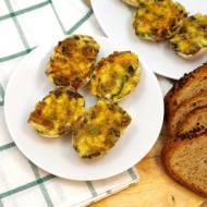 Jajka z pieczarkami smażone w skorupkach