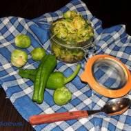 Zielona surówka z brukselki i awokado