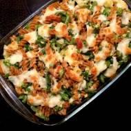 Zielona zapiekanka w serowym sosie