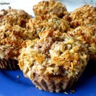 Muffinki z jabłkiem i orzechową kruszonką