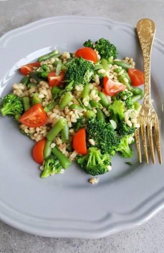 Zielone Kaszotto z fasolką szparagową i brokułami
