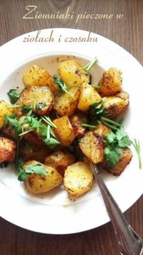 Ziemniaki pieczone w ziołach i czosnku