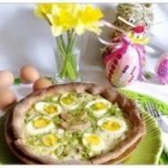 Tarta wiosenna z brokułem, kapustą pekińską i jajkami