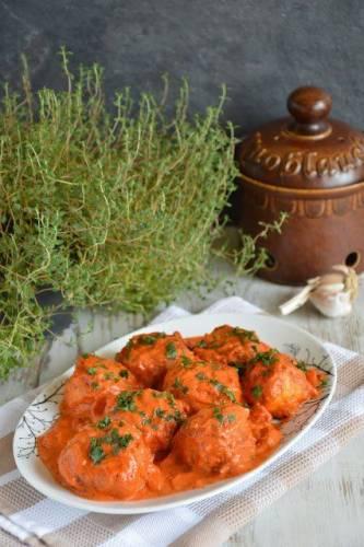Pulpety w sosie pomidorowym prowansalskim