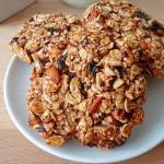 Owsiane ciasteczka z suszonymi śliwkami, bez cukru i masła (Biscotti con prugne secche e fiocchi d'avena, senza zucchero e burro