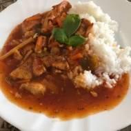 Kurczak w sosie słodko-kwaśnym z ryżem - pomysł na smaczny i szybki obiad :)