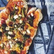 Pizza z brokułami i fetą
