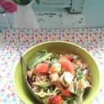 Błyskawiczny piątek - Sałatka z kurczakiem i serem owczym