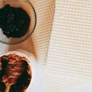 Piszinger – wafle z kajmakiem, masłem orzechowym i dżemem porzeczkowym