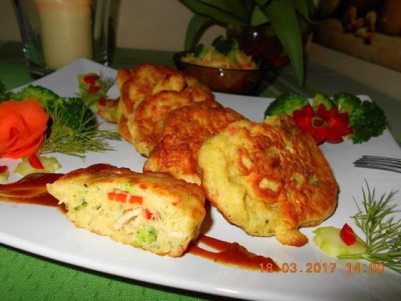 Ryba z placuszkami z dzikiego ryżu