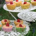 Muffinki cytrynowe z malinami