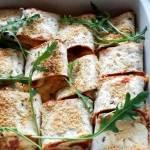 Tortille serowe zapiekane z sosem pomidorowym i serem gran primo