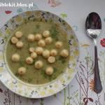 Zupa z zielonego groszku i cukinii