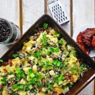 Czarny ryż zapiekany z kurczakiem i suszonymi pomidorami