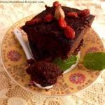 Fit brownie bezglutenowe no.2 z awokado i jagodami goi