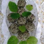 Miętowe kule mocy z młodym jęczmieniem,chia i bakaliami (Gluten & White sugar free)