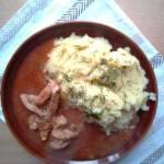 Cebulowy sos z mięsem