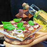 Pizza z boczniakami i mozarellą